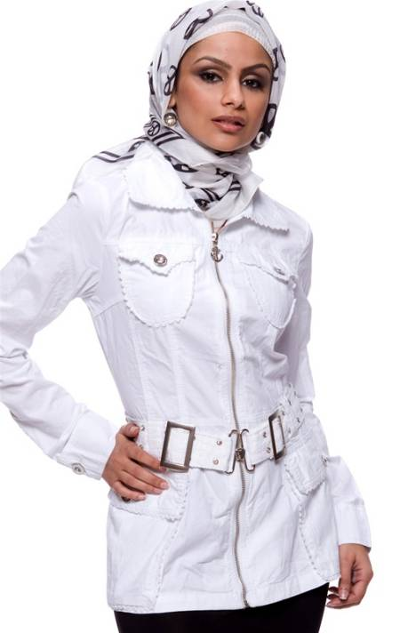 مدل مانتو های دخترانه-مانتوهای سفید و کرم رنگ