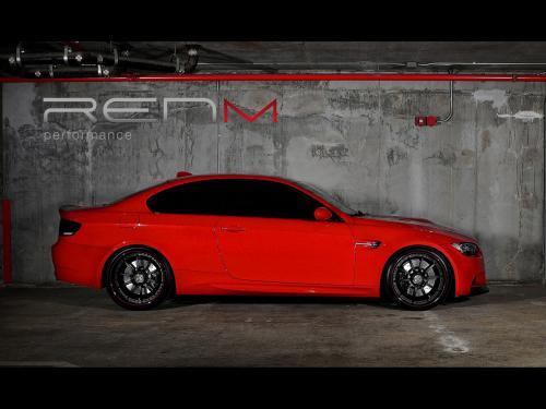 عکس و والپیپر ماشین بی ام و قرمز رنگ