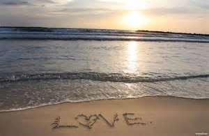 عکس عاشقانه لب دریا